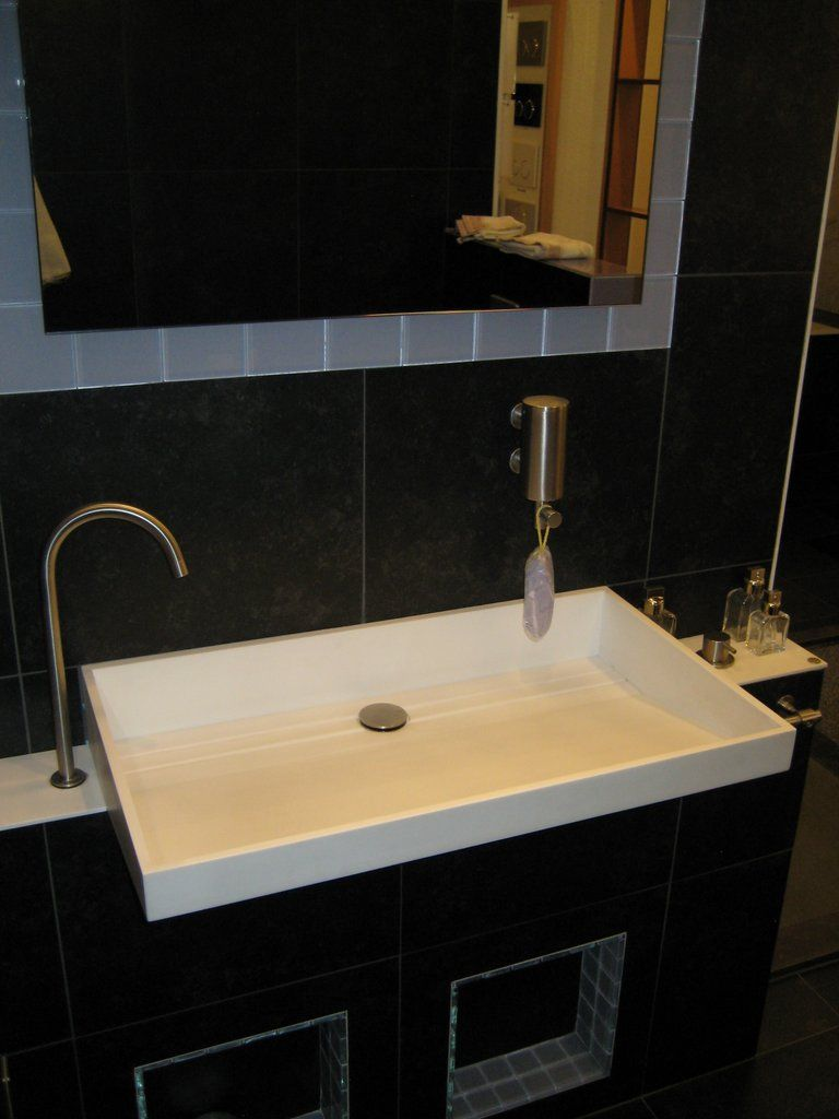 Vola rvs badkamer 47895 - Badkamer model met badkuip ...